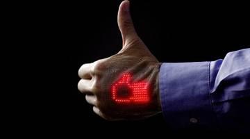 Электронная кожа может отображать сердцебиение на руке