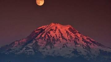 Вода может быть добыта по всей Луне, а не только на ее полюсах