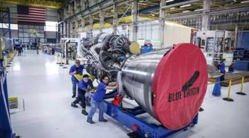 Джефф Безос показал новый и полностью собранный ракетный двигатель BE-4