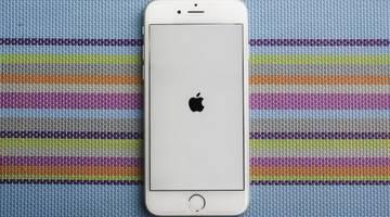 Apple принесла официальные извинения за то, что намеренно замедляет iPhone