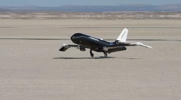NASA и Boeing совместно разрабатывают самолет со складным крылом