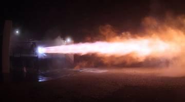SpaceX провела испытания нового ракетного двигателя