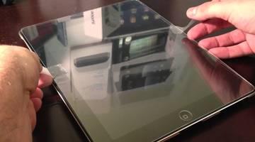 Что выбрать для защиты экрана смартфона: пленку или стекло?